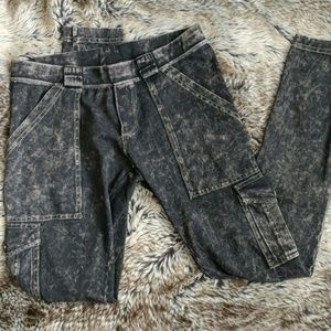 Stonewash, ultrasoft leggings with 6 pockets